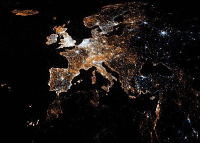 Amazing maps show Twitter and Flickr activity around the world - Telegraph (Picture: Eric Fischer)